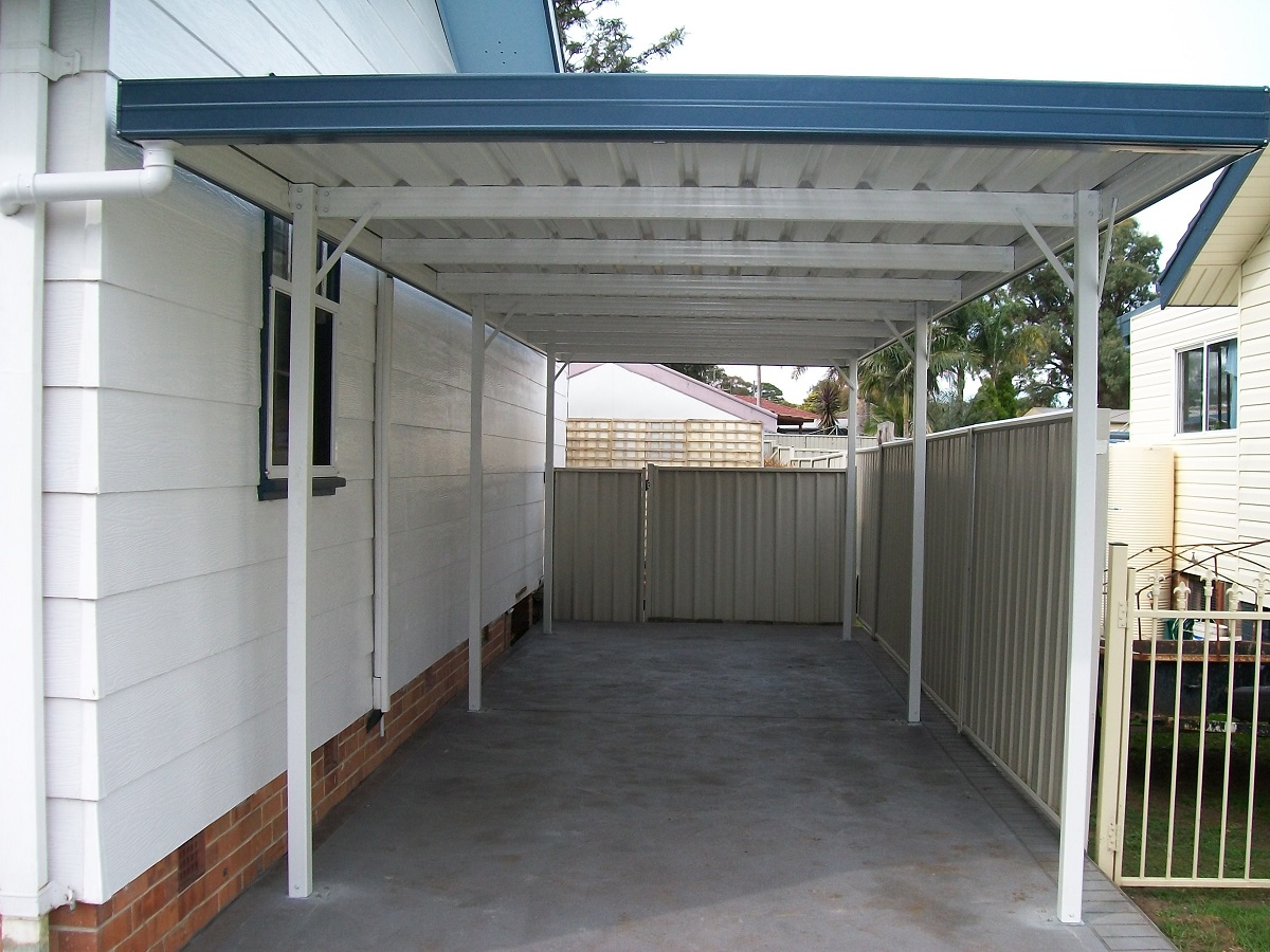 spacey garage was made with steel bars and rib type roof by shed quarters